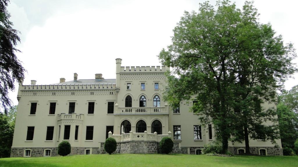 Ciekawe miejsca Brandenburgii - zamek Reichenow
