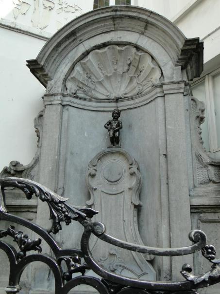 Zwiedzanie Brukseli - Manneken Pis