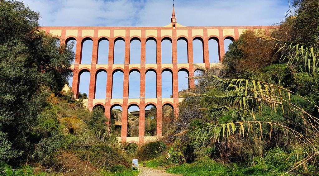 Co warto zobaczyć w Nerji i okolicy - Egle Aqueduct