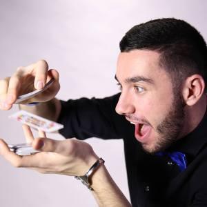 Benjamin Aymerich magicien, magie, carte magie, magicien, magie montpellier, magicien Montpellier, magicien de mariage