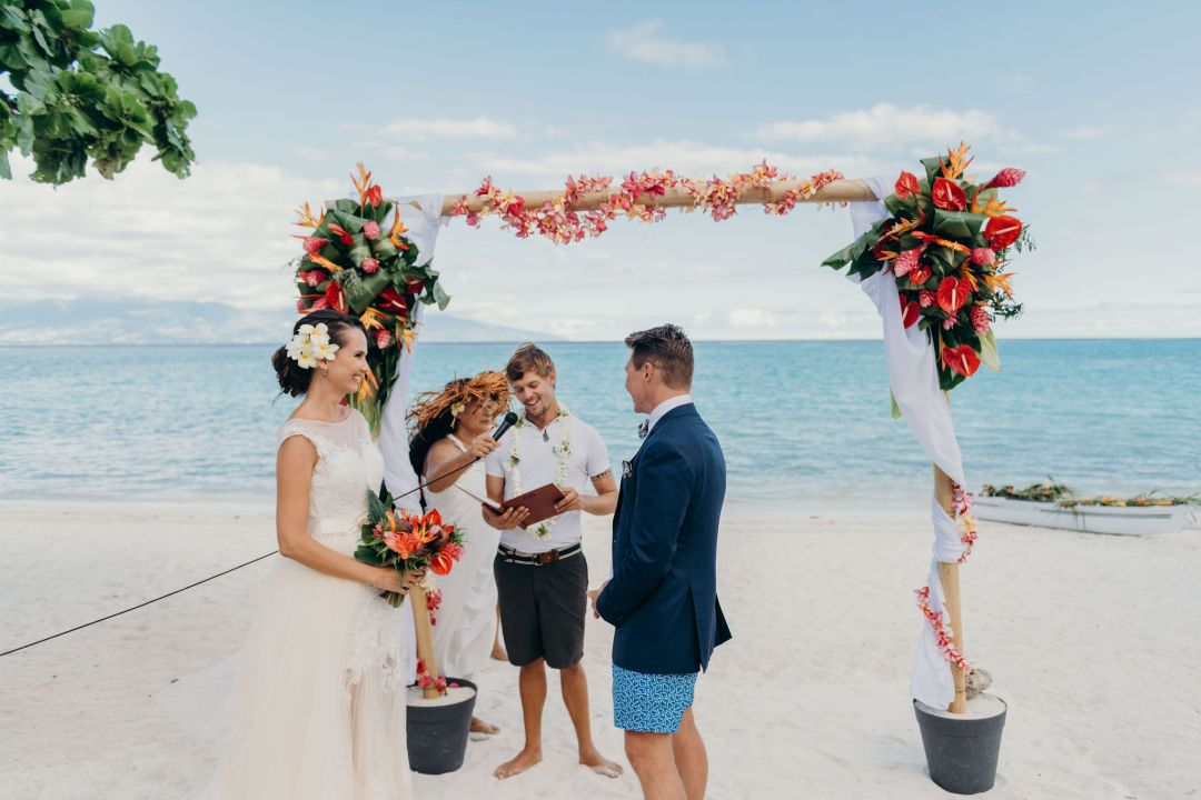 arche cérémonie mariage, plage mariage, tahiti