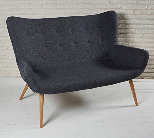 Elegantes 2 Sitzer Polstersofa 134cm dunkelgrau mit Knopfheftung und Armlehnen - Stoffcouch für Ihr Wohnzimmer - Stoffbezug Zweisitzer Holzbeine Stoff