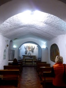 Hoehlenkirche Cueva Santa de la Virgen de Gracia Guadix 2015-11-06 Foto Elke Backert