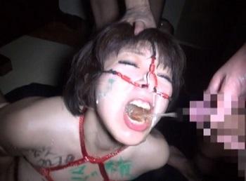 牛乳浣腸に飲尿、それに顔面崩壊2穴凌辱で弄ばれる巨乳デカ尻の変態ドMおばさん 鮎原いつき