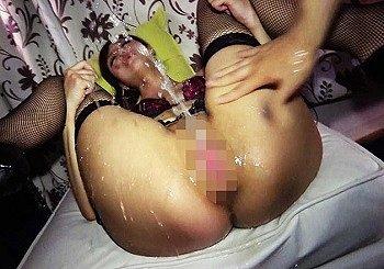 セックス狂いの生ハメ中出し大好きの変態ギャルがパイパンマ○コで中出しバイト 変態ドMモデルまな