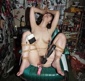 (強制)ふつ~の主婦を拘束して電マ放置でビクンビクンカクンカクン失神させてみた