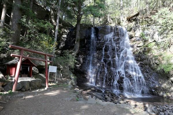 母の白滝神社