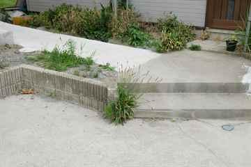 福岡市早良区 一軒家 庭の草引き|えびす造園