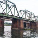 流れが当たる橋げたや固定物はどこを狙う?