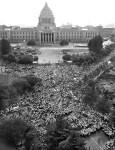 【推測】7月15日に強行採決をした理由は55年前に安倍総理の祖父岸信介政権が総辞職した日だから弔い合戦のつもりじゃね?