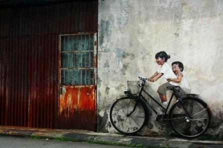 graffiti y bicicleta, en penang, malasia