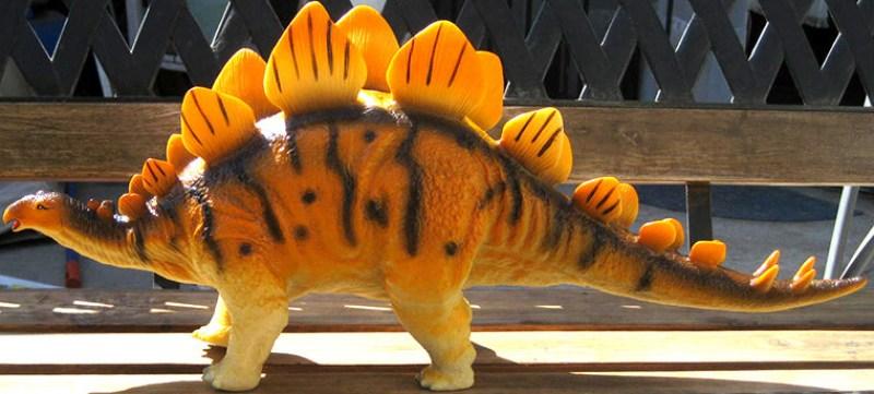 juguete-estegosaurio-2
