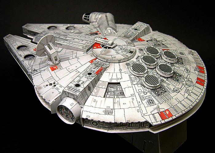 falcon-millenium-halcon-milenario-star-wars-papertoy