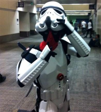 Deadpool disfrazado de Storm Trooper