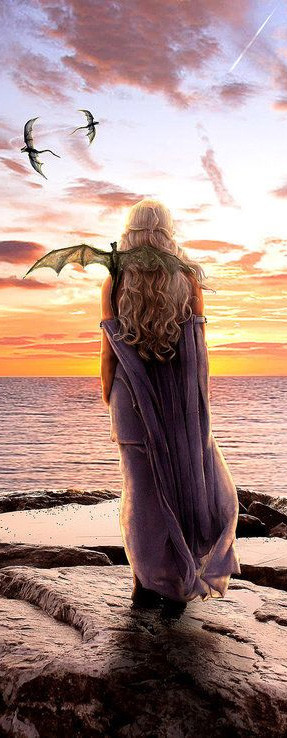 daenerys-targaryen-madre-dragones-game-of-thrones-espalda-mar