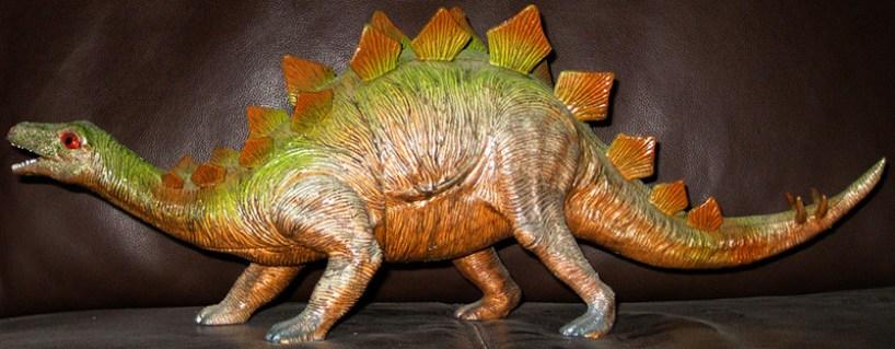 juguete-dinosaurio-estegosaurio-plastico-0