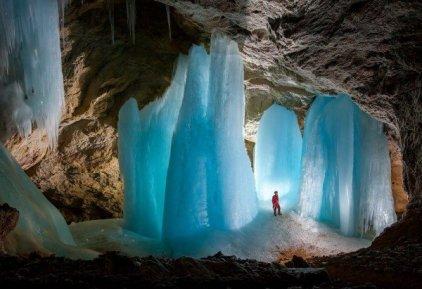 descubren La fortaleza de la Soledad - Superman - ubicado en Eiskogelhöhle