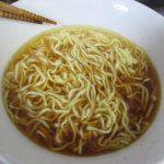 マルちゃん正麺醤油味(マルちゃん=東洋水産)は独自の特許製法生麺の味わいとチキン・ポークエキスによる醤油味