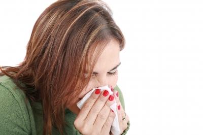 黄色い鼻水が止まらないのは急性・慢性副鼻腔炎の症状!