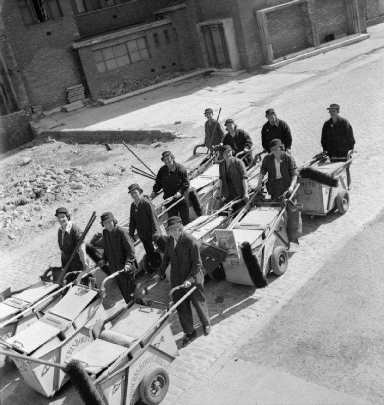 Women's_Street_Cleaning_Brigade-_Female_Dustmen_at_Work,_London,_1942_D8942