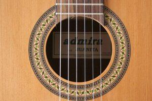 boca y roseta de la guitarra clásica Admira Juanita