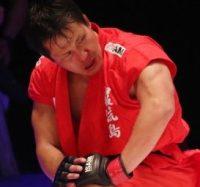 2016年7月31日巌流島・元プロボクシング世界ヘビー級チャンピオン と対戦します。