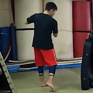 【動画あり】ローキックの蹴り方【意識する3点】