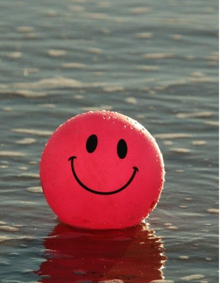 Imagen de una sonrisa feliz por no padecer los problemas ocasionado en la boca durante el embarazo