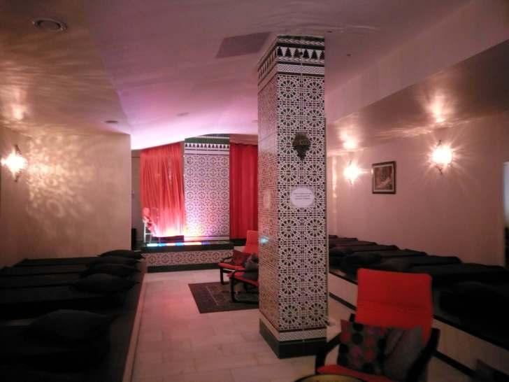 ハマムのマッサージ室