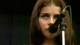Mazzy Star – Fade Into You – 10/2/1994 – Shoreline Amphitheatre (Official)