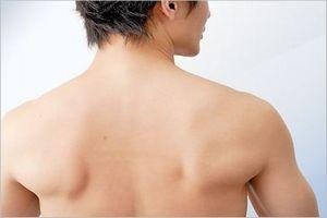 肩甲骨が痛む原因