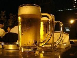 荒関克子_150624_ビアサーバーで美味しいビールを飲みたい、でも翌日の顔のむくみは解消したいビアサーバー【画像01】