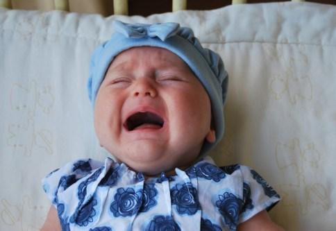 泣き止まない赤ちゃん