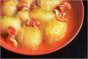 新玉ねぎとベーコンの味噌煮こみ