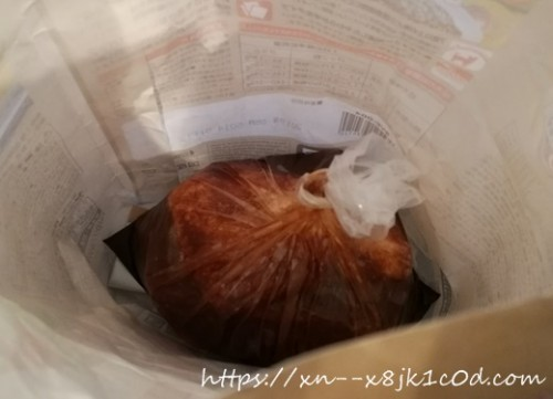 液体調味料と紙袋