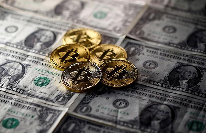 【仮想通貨ニュース】ビットコイン-Bitcoin 一時240万円!高騰はどこまでつづく?専門家の分析