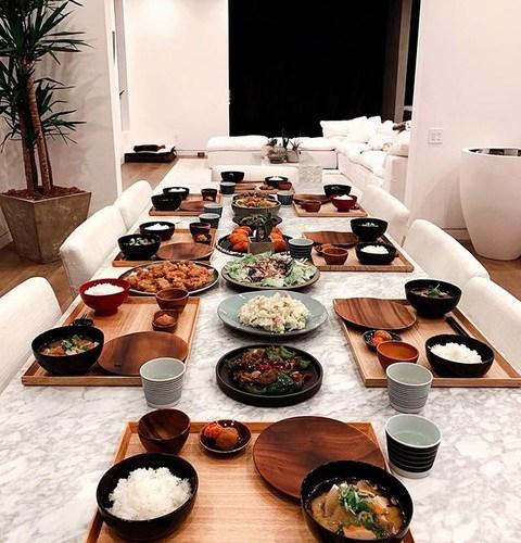 ローラ、手料理の日本食にファン絶賛「旅館か!」「ギャップ萌え」(画像あり)