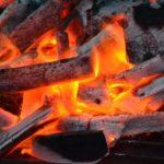 バーベキューの火おこし時間を短縮!すぐ火をおこせる4つの手段