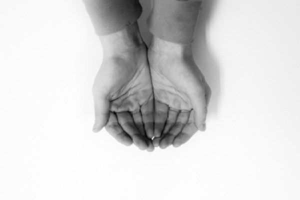 cupped_hands_515938