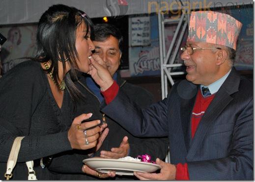 rekhat-hapa-madhav-nepal