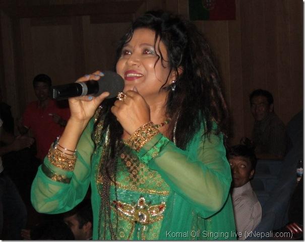 oli_komal_singing