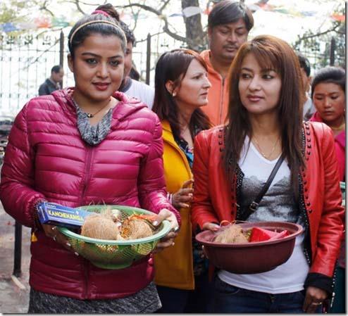 rekha_thpaa_jharna_thapa_pappu in background