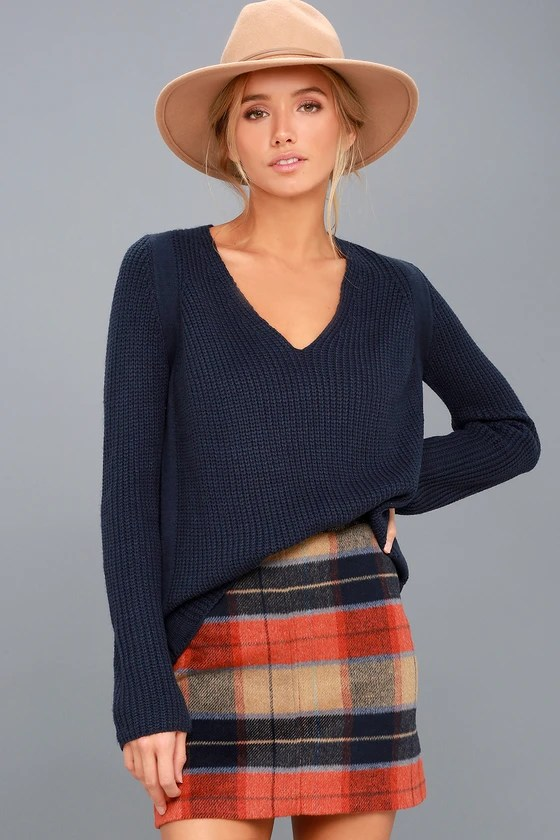 """<img src=""""lulus.com"""" alt=""""v neck sweater from lulus.com"""">"""