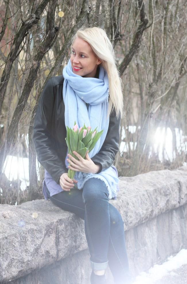 blue scarf 1