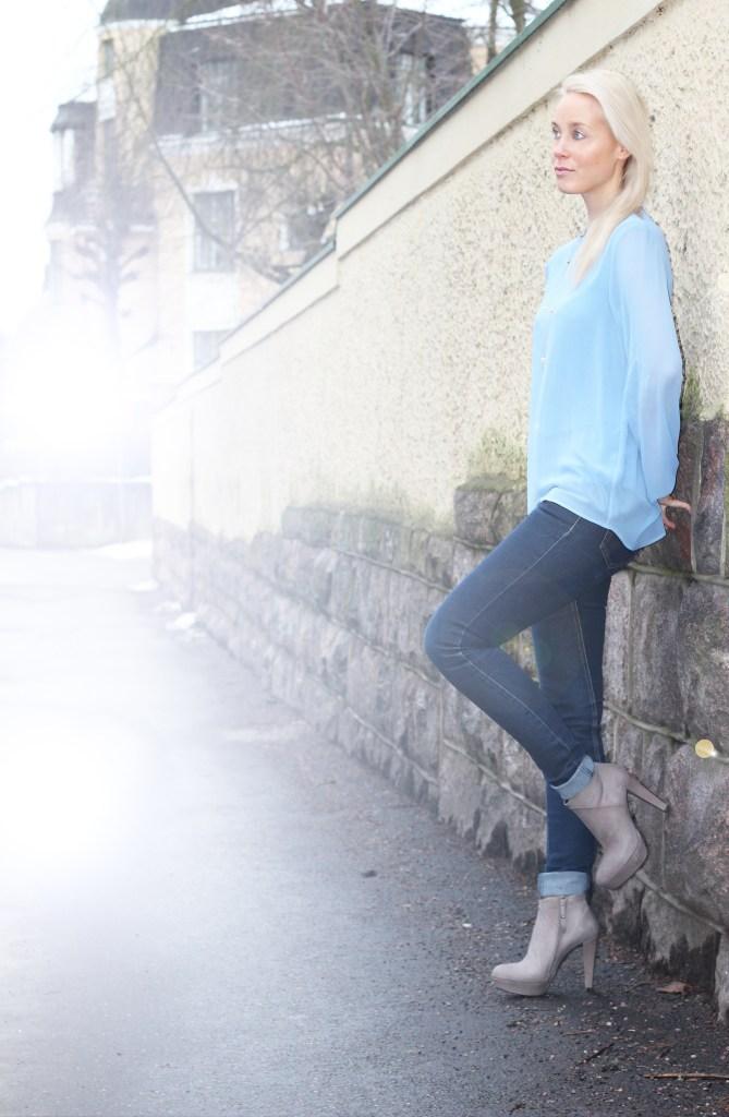 pale blue4