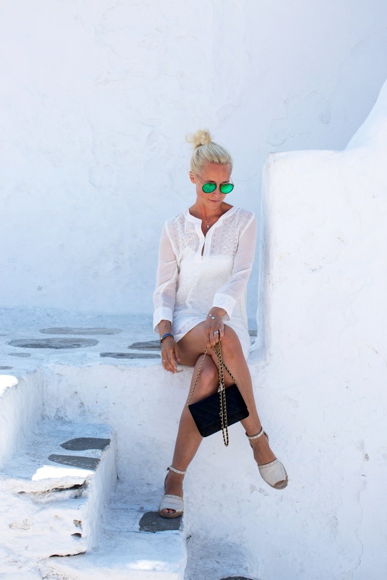 mykonos-all-white1-1-of-1