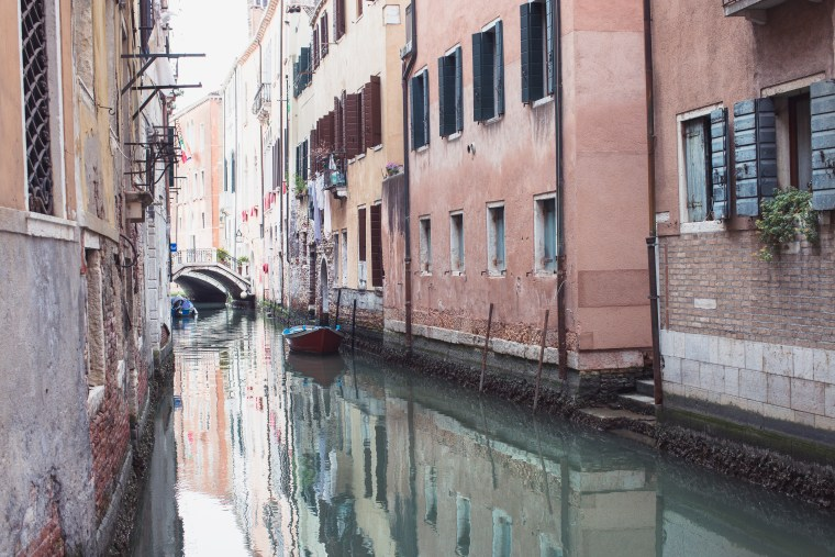 venice canal laundry (1 of 1)