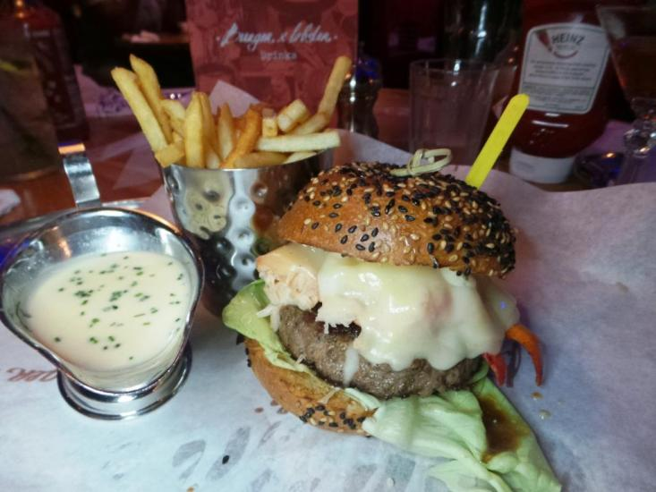 Burger and Lobster Bryant Park NYC xojohn (28)