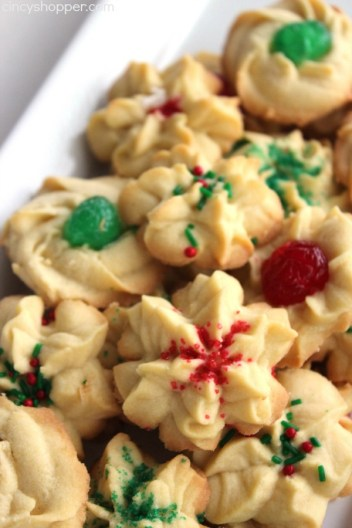 Traditional Spritz Cookies for 25 Days of Christmas Cookie Exchange: Christmas time is here! Yay! That means cookies!! I love baking and throwing parties! I love the idea of a cookie exchange. It really is genius! Hosting a cookie party for close family and friends sharing cookies and new recipes! I think this will be a new Holiday tradition for sure! Pinning for later!