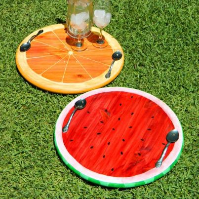 How to make easy DIY Summer Crafts even kids can make. You will have a fun summer making these DIY projects that you can make for your home, beach vacation and more! I love the bright colors, fun designs and crafts that kids can make! Get the whole family involved with making these cheap and easy summer crafts. #summercrafts #diycrafts #diyproject